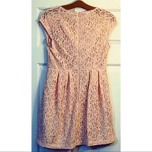 Forever 21 Dresses - Forever 21 peach lace cap sleeve dress